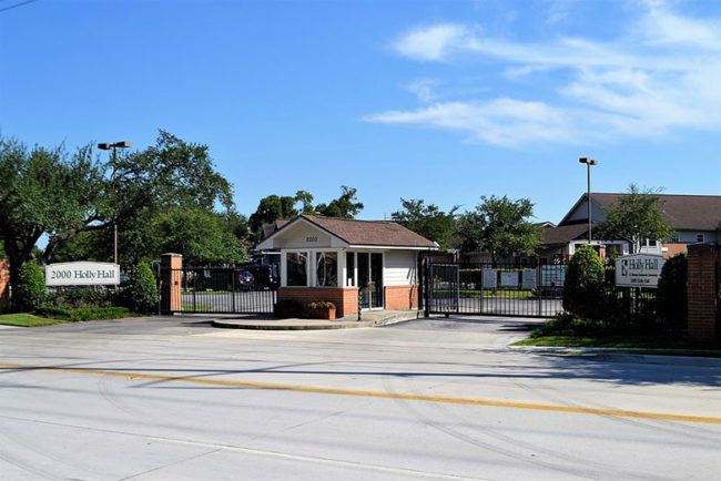 Are Gated Communities Safer? The Facts and Risks