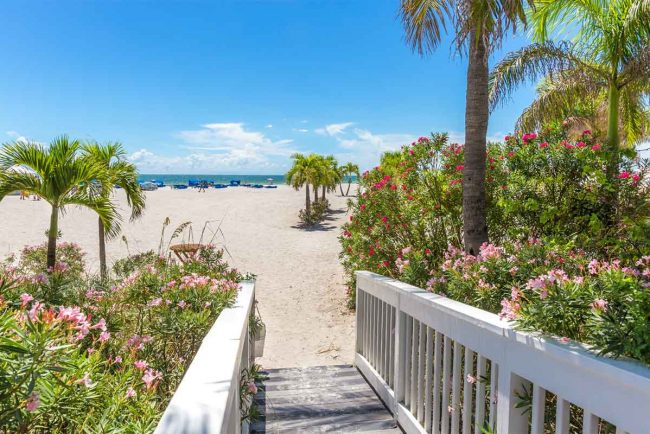 10 Best Beaches Near Ruskin FL (Manatee, Pinellas, Etc.)